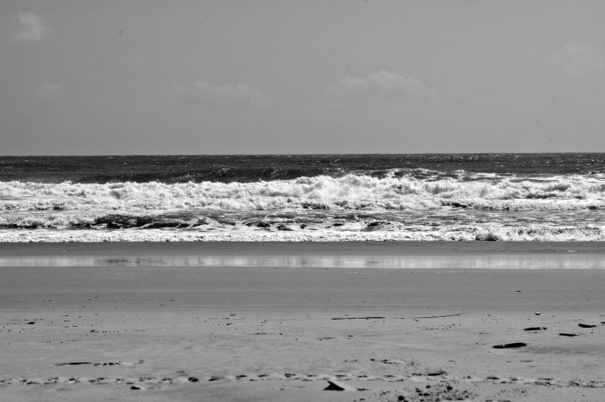 crashing-waves-wrightsville-beach