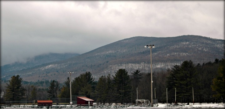 arlington_park_with_mountains